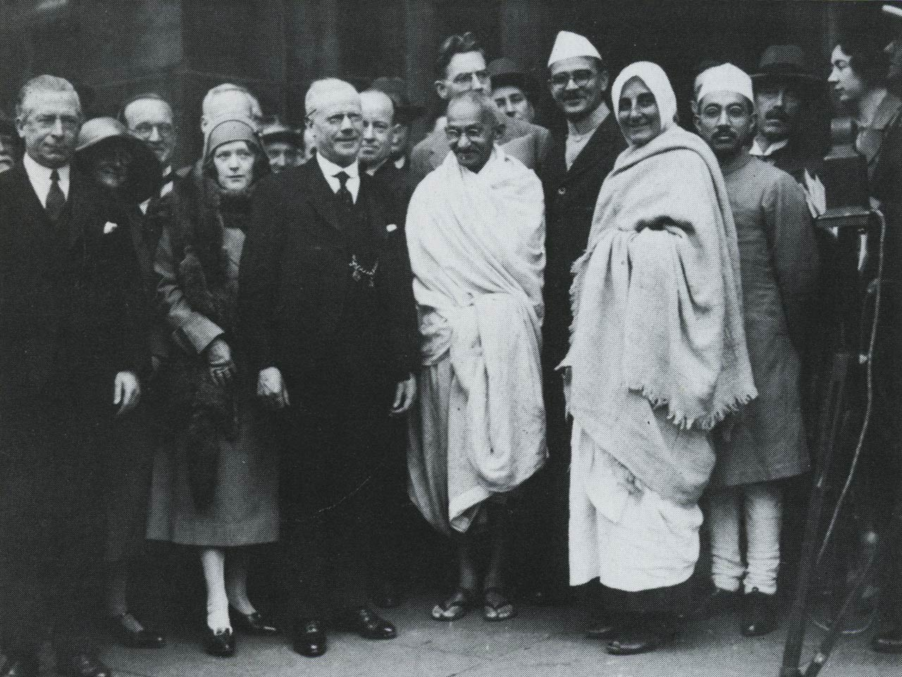 india-mill-centre-darwen-gandhi-visit