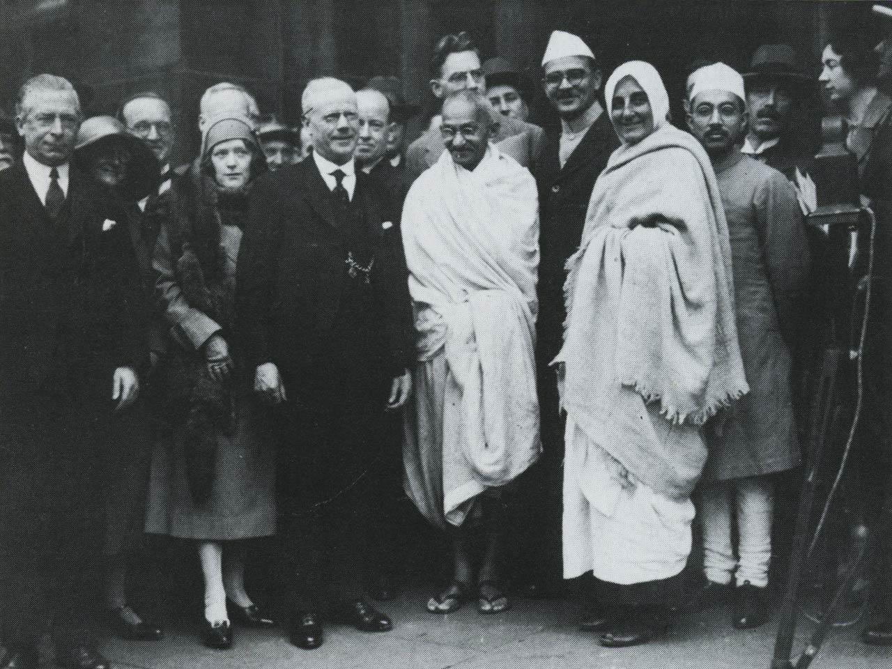 india-mill-centre-darwen-gandhi-visit